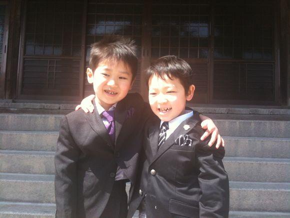 親友と卒園記念写真!