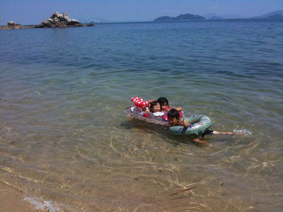 今年初の海水浴です!cafe misaki むこうの大崎鼻より