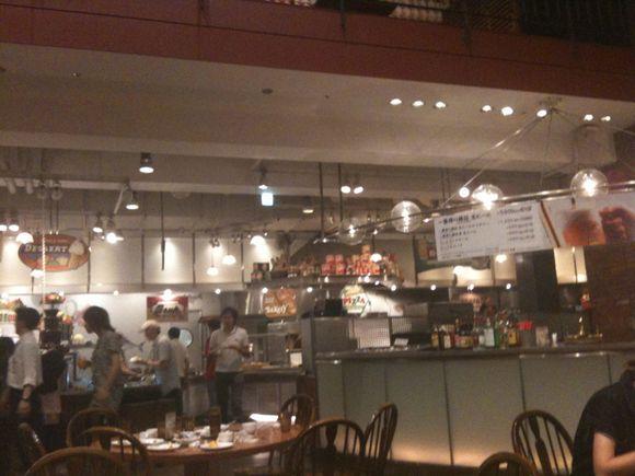 神戸ハーバーランドMOSAICのフィッシャーマンズマーケットです。