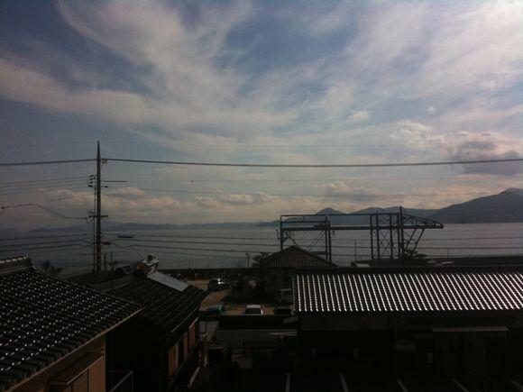 神代駅から周防大島そして四国愛媛が今日は見渡せます。