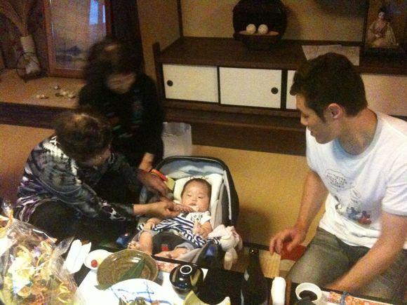 甥っ子の一慧が100日お食い初め in 粟屋