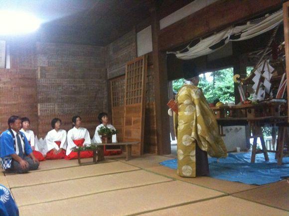 伊保田祭りは雨です。