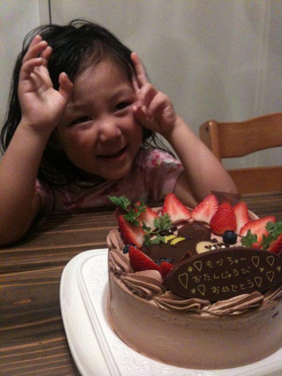 大野百花、四歳の誕生日ケーキはエスパリエ華月