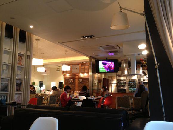 青山のアーキテクトカフェで朝食