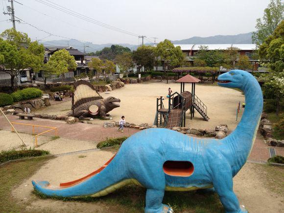 恐竜公園こと柳井市旭ヶ丘児童公園