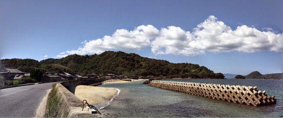 周防大島のオフィスから瀬戸内海を望む