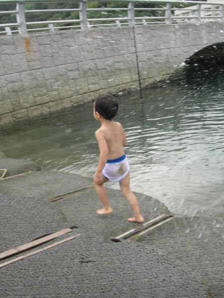 片添ヶ浜サンシャインサザンセトで海遊び(大野尽と大野杏の戯れ)