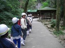 秋芳洞のエコツアー(洞窟探検)を撮影しました。