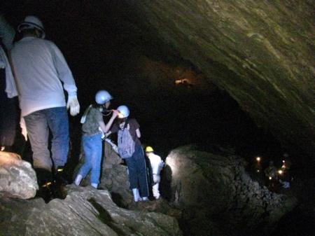 秋吉台(秋芳洞)のエコツアー「秋芳洞地下水系探検」を撮影しました。